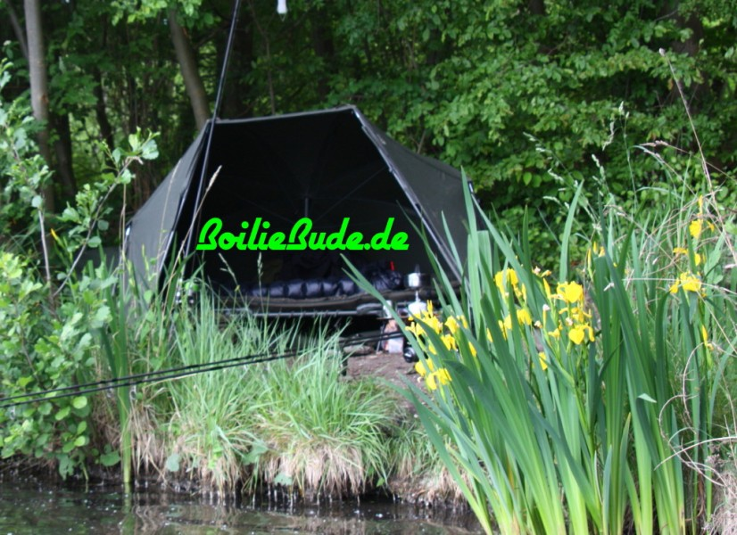 Zelte, Brollies und Schirme